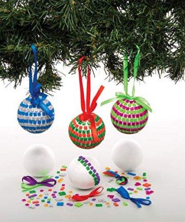 Baker Ross AT196 Bastelset Mosaik-Christbaumkugeln (4 Stück) -Weihnachten Kunst und Basteln für Kinder, Sortiert - 2