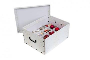 Kreher Weihnachtlicher XL Deko Karton mit Einsätzen für ca. 40 Weihnachtskugeln. Aus stabiler Pappe mit Griffen aus Kunststoff. In Weiss mit einem goldfarbenen Retro-Design Aufdruck. - 2