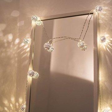CozyHome marokkanische LED Lichterkette – 7 Meter | Mit Netzstecker NICHT batterie-betrieben | 20 LEDs warm-weiß | Kugeln Orientalisch | Deko Silber – kein lästiges austauschen der Batterien - 6