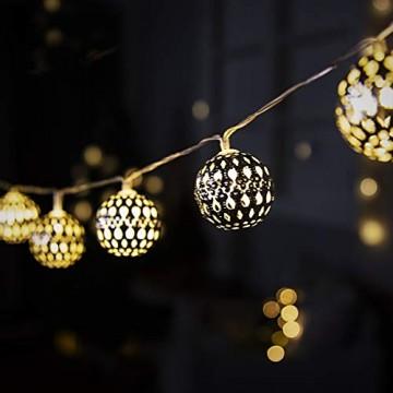 GIGALUMI LED Kugel Lichterkette 20 Silber Metall Kugel 2,5m Lange Warmweiß Batteriebetrieben Innen Beleuchtung Dekoration für Party, Weihnachten, Halloween, Zimmer usw. - 7