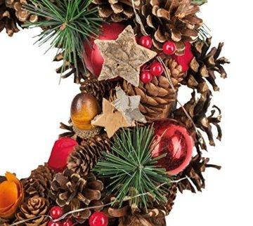 Idena 8585271 - Weihnachtskranz mit 10 LED warm weiß, mit 6 Stunden Timer Funktion, Batterie betrieben, für Deko, Weihnachten, Advent, als Stimmungslicht, Türkranz, ca. 28 cm - 3
