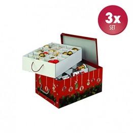 Kreher Set aus 3 Deko Kartons aus stabiler Pappe mit Griffen aus Kunststoff und Deckel. Mit Einsätzen für ca. 40 Christbaumkugeln. Design in Rot mit Weihnachtskranz. Stapelbar. Zur Selbstmontage. - 1