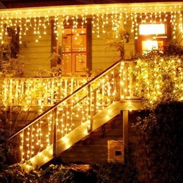 LED Lichtervorhang, LED Lichterkette, 216 LED 5M Eisregen/Eiszapfen Lichterkette, LED String Licht, Lichterkettenvorhang, Weihnachtsbeleuchtung, Weihnachtsdeko Christmas INNEN und AUSSEN, Warmweiß - 1