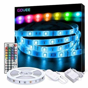 LED Strip Lichterkette, Govee 5m RGB Farbänderung LED Streifen Lichtband Selbstklebend mit Fernbedienung und Controller für Zuhause, Schlafzimmer, TV, Schrankdeko, Hell 5050 LED Band, Schnittbar - 1