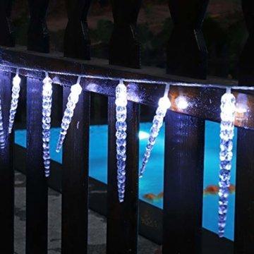 Salcar Kaltweiß LED Eiszapfen, 40er LED Eiszapfenkette Kette 5m LED Lichterkette + 5m Stromkabel (insgesamt 10 m lang), Weihnachtsbeleuchtung Deko für Innen Aussen 9 Modi Trafo - 5