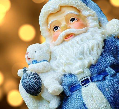 weihnachtsmannfiguren