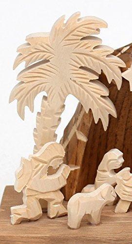 Dekohelden24 Handgeschnitzte Holz Krippe mit 9 Figuren, Breite 18 cm x Tiefe 10 cm x Höhe 13 cm - 4