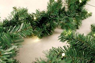 Spetebo Weihnachtsgirlande mit 70 warmweißen LEDs - 540 cm/Batterie und Timer - Tannengirlande Girlande Innen und Außen - 2