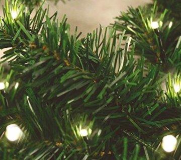 Spetebo Weihnachtsgirlande mit 70 warmweißen LEDs - 540 cm/Batterie und Timer - Tannengirlande Girlande Innen und Außen - 3