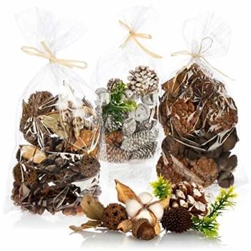 com-four® 3X Weihnachtsdekoration im Beutel mit Zapfen und Zweigen - Streudeko weihnachtlich - Bastel Set - Tischdeko - Adventskranz - Weihnachtsschmuck (3X Beutel: Zapfen braun/weiß. Zweige) - 1