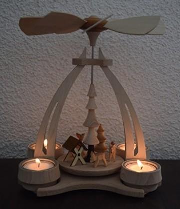 Dekohelden24 Tisch-Pyramide aus Buchenholz, Rehe mit Futterkrippe, ca. 24 cm. Inkl. 4 Stück Dekohelden Teelichte - 7