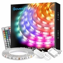 Govee LED Streifen 5m, RGB LED Strip mit Fernbedienung, farbänderbares LED Lichtband für Zuhause, Schlafzimmer, TV, Tische, Schrank, 12V - 1