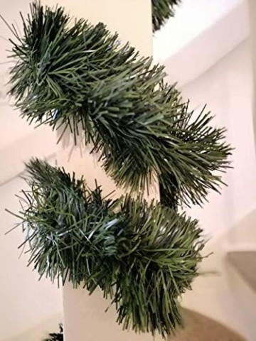 Handel24NET Excellente 5m künstliche Dekogirlande im Tannengrün - flexibel einsetzbar im Innen- und Aussenbereich - Diese Tannengirlande erfreut die ganze Familie - 3