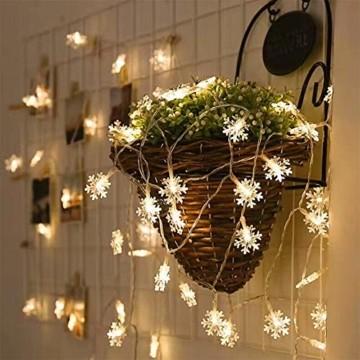 Remifa Led Lichterkette Schneeflocken Warmweiß 10M mit Fernbedienung und Timer Wasserdicht Lichterketten 8 Modi USB für Innen und Außen Zimmer Garten Weihnachten Dekoration Partylichterkette - 4
