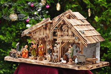 ÖLBAUM-Krippe KS70ng-MF-SKR- XXL Holz-Weihnachtskrippe, mit GRANITBRUNNEN Wassergrand + Premium-DEKOSET Krippenstall, Massivholz edel GEFLAMMT - mit 12 x Premium- Krippenfiguren + Engel mit - 1