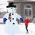 Juskys XXL Schneemann 240 cm aufblasbar mit integr. Gebläse & 20 LEDs, Weihnachtsdeko beleuchtet IP44, Winterdeko für Außen mit 6 Heringe & 3 Seile - 3