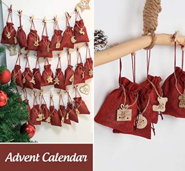 ABSOFINE 24 stück Jutesäckchen mit 24 Adventszahlen Zahlen Holz Deko Holz-Anhänger für Weihnachten Adventskalender Jutebeutel Stoffbeute Geschenksäckchen zum Befüllen(Rot) - 4