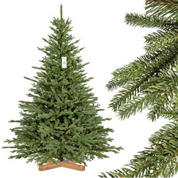 FairyTrees Weihnachtsbaum künstlich BAYERISCHE Tanne Premium, Material Mix aus Spritzguss & PVC, inkl. Holzständer, 180cm, FT23-180 - 1