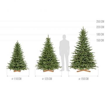 FairyTrees Weihnachtsbaum künstlich BAYERISCHE Tanne Premium, Material Mix aus Spritzguss & PVC, inkl. Holzständer, 180cm, FT23-180 - 5