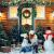 KATELUO Weihnachtskranz, Bowknot Türkranz Weihnachten Weihnachtsdeko Kranz Weihnachtsgirlande mit Kugeln Handarbeit Weihnachten Garland Deko-Kranz, für Hochzeit, Party, Garten, Wanddekoration - 3