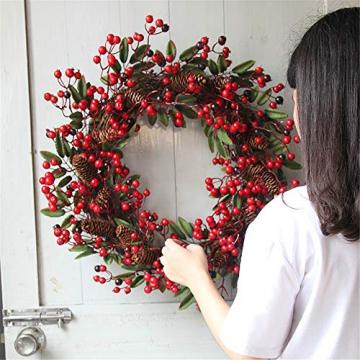 Rote Beeren Weihnachtskranz Ø 60cm, Hukz Künstlicher Türkranz Weihnachten Kranz Girlande für Haustür Deko Winter Haus Dekoration, Deko-Kranz Tannenkranz Adventskranz Weihnachts Weihnachtsgirlande - 4