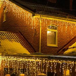 Eisregen Lichterkette Außen, LIGHTNUM 7.5M 200 LED Lichterkette Strom Warmweiß mit Stecker, Wasserdicht Eiszapfen Weihnachtsbeleuchtung, 8 Modi,Lichtervorhang Aussen für Fenster,Traufe,Vorbau,Geländer - 1