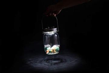 Trendario - LED Solarlampe im Einmachglas, Solarlaterne als perfekte Gartenleuchte - Solar Sun Jar, Sonnen Hängeleuchte aus Glas - Solarglas mit extra langer Leuchtdauer - 8